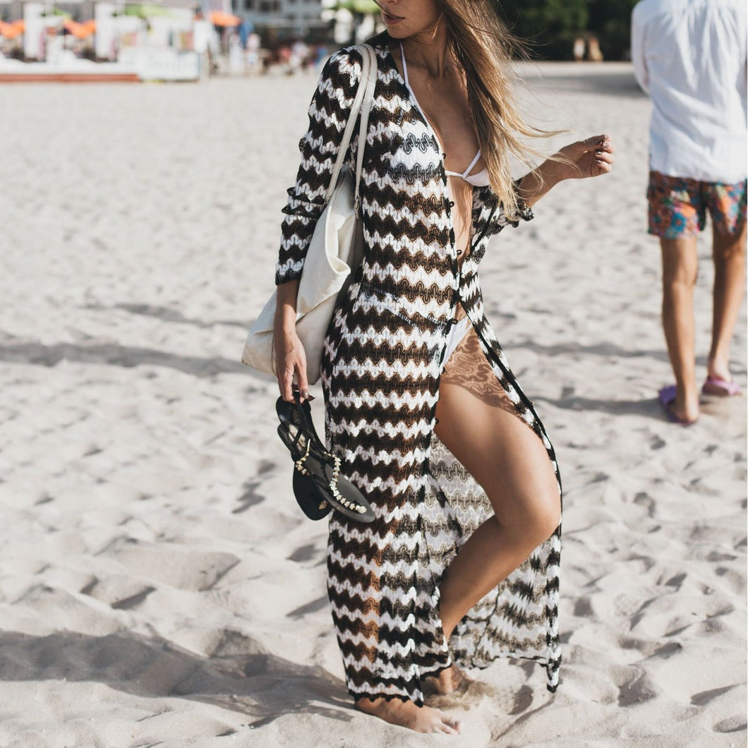 Sexy Black And White Wave Pattern Beach Bikini Smock