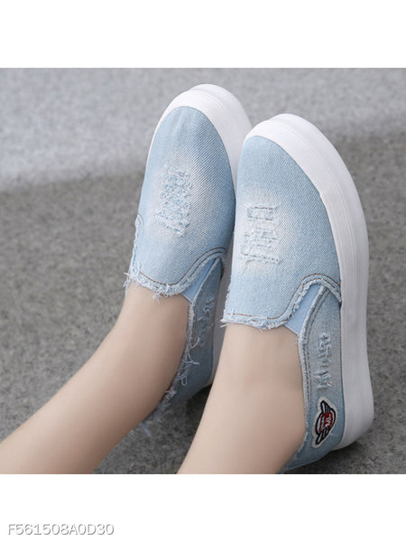 Light Wash Flat Denim Round Toe Casual Sneakers