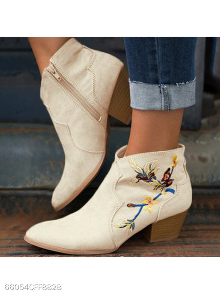 Embroidery Chunky High Heeled Velvet Point Toe Outdoor High Heels Boots