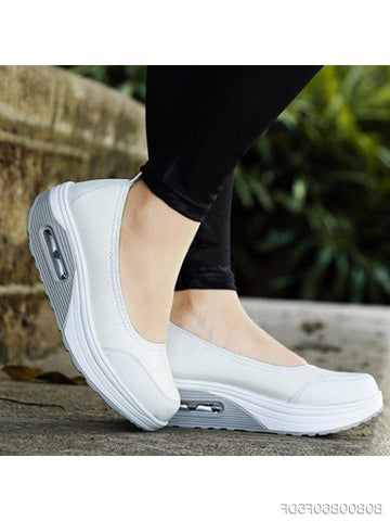 Plain Mid Heeled Round Toe Casual Sneakers