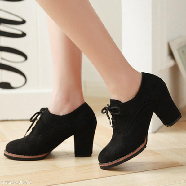 Plain  Chunky  High Heeled  Velvet  Criss Cross  Point Toe  Outdoor High Heels Boots
