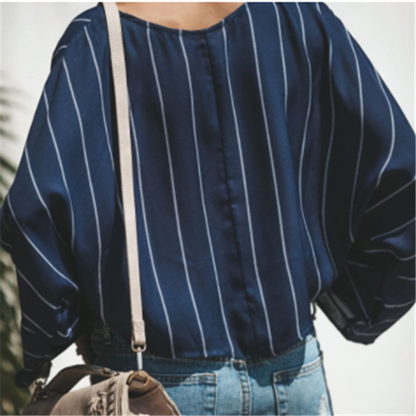 Loose Vertical Stripes Long Sleeve Shirts