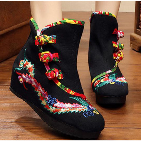 Embroidery Flat Round Toe Casual Boots