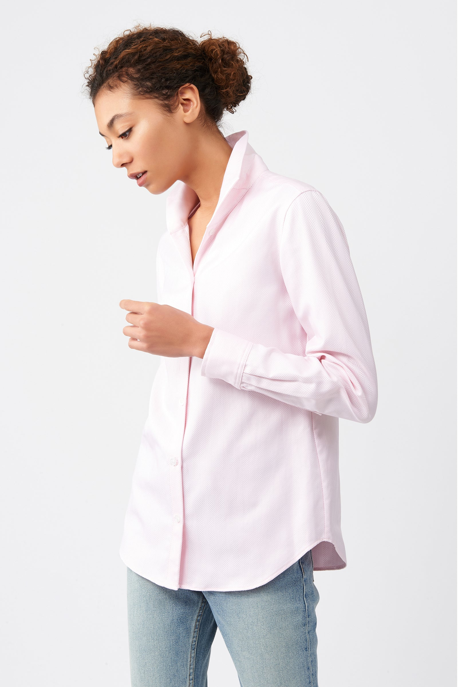 Kal Rieman Ginna Box Pleat Shirt in Pink Herringbone on Model Side View