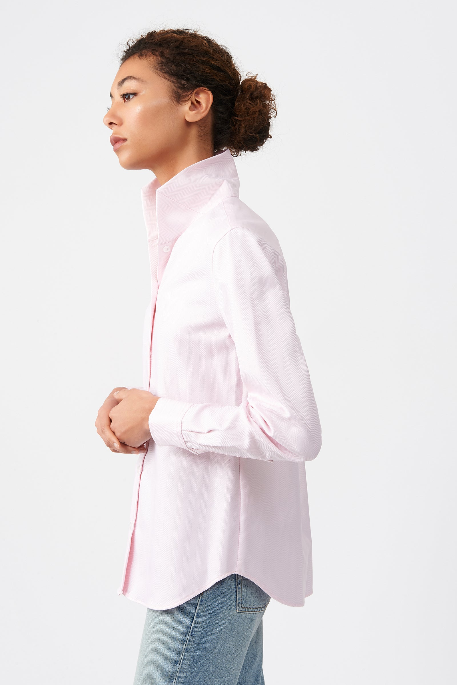 Kal Rieman Ginna Box Pleat Shirt in Pink Herringbone on Model Side Alternate View
