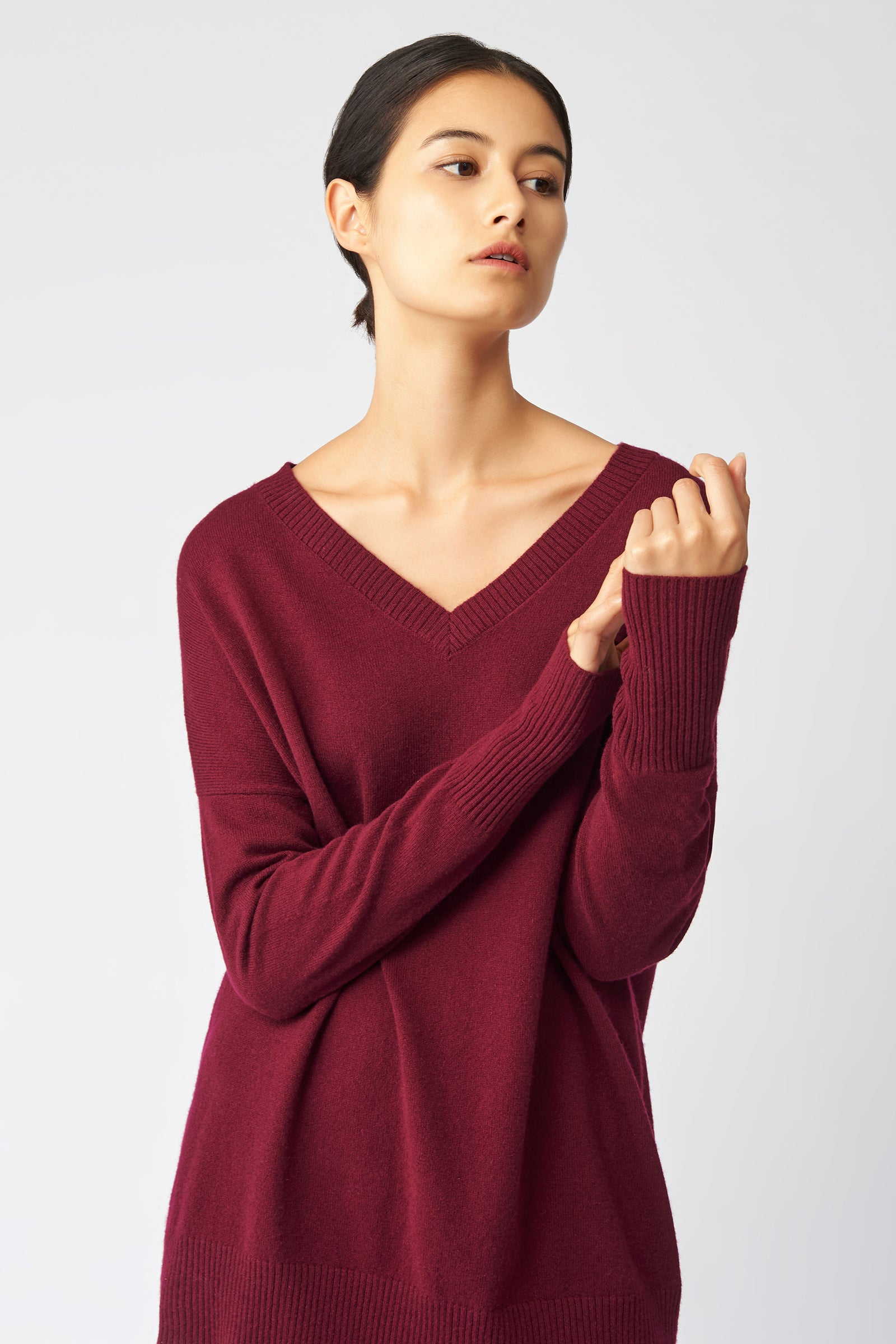 Kal Rieman Cashmere V Neck in Bordeaux on Model Front View