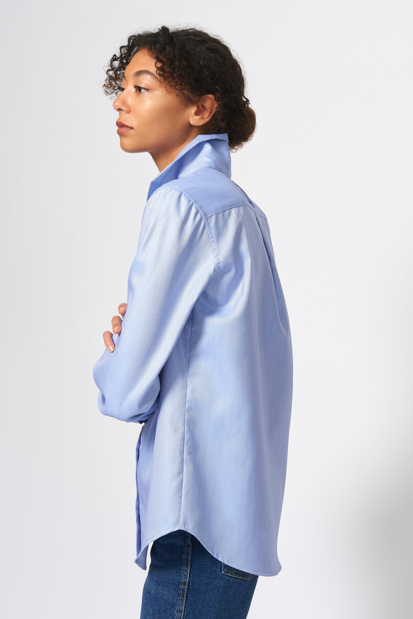 Kal Rieman Ginna Box Pleat Shirt in Denim Fine Herringbone on Model Full Side View