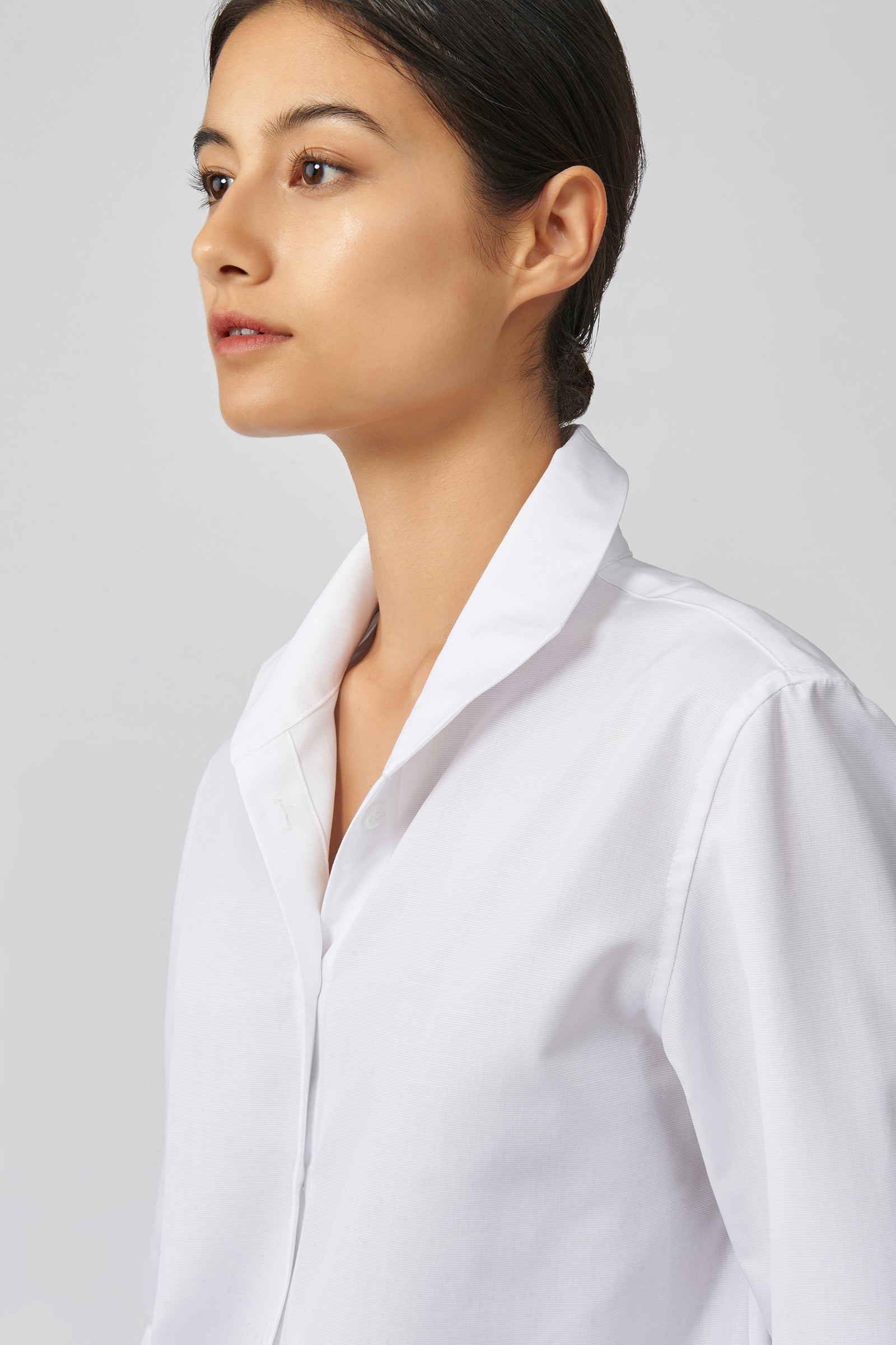 Kal Rieman Ginna Box Pleat Shirt in White Ottoman on Model Front Detail View