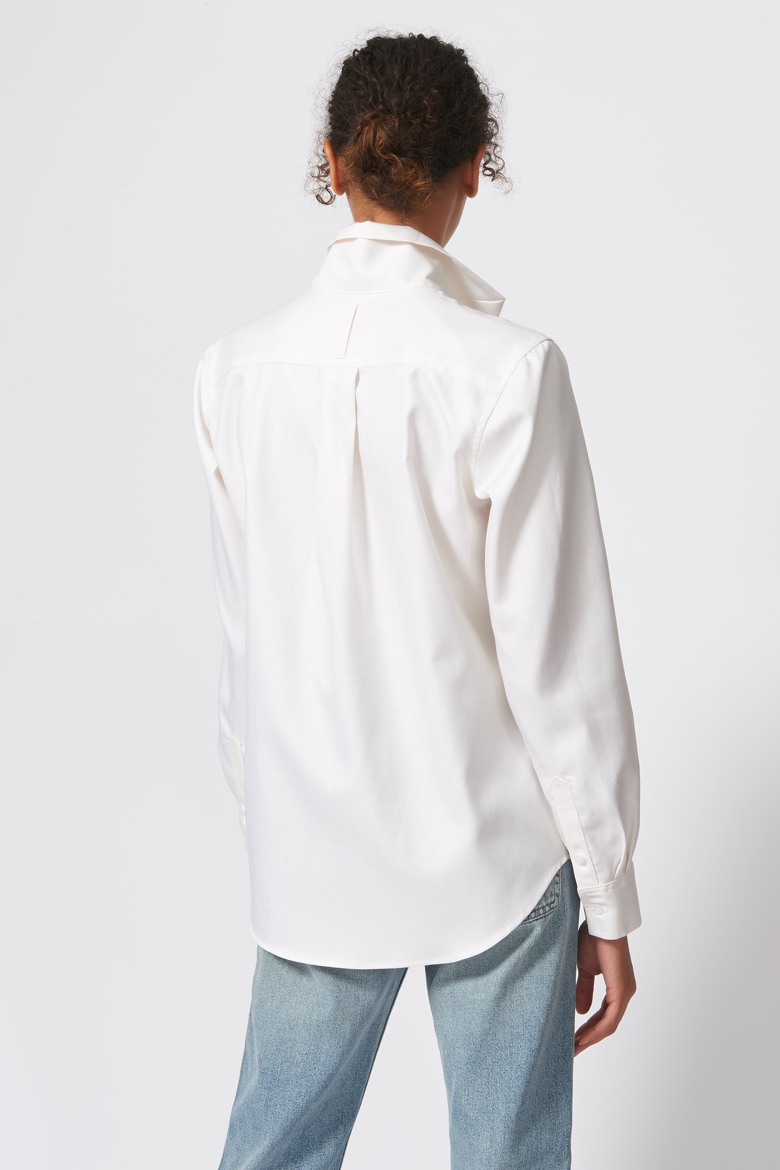 Kal Rieman Ginna Box Pleat Shirt in Ivory Fine Herringbone on Model Back View