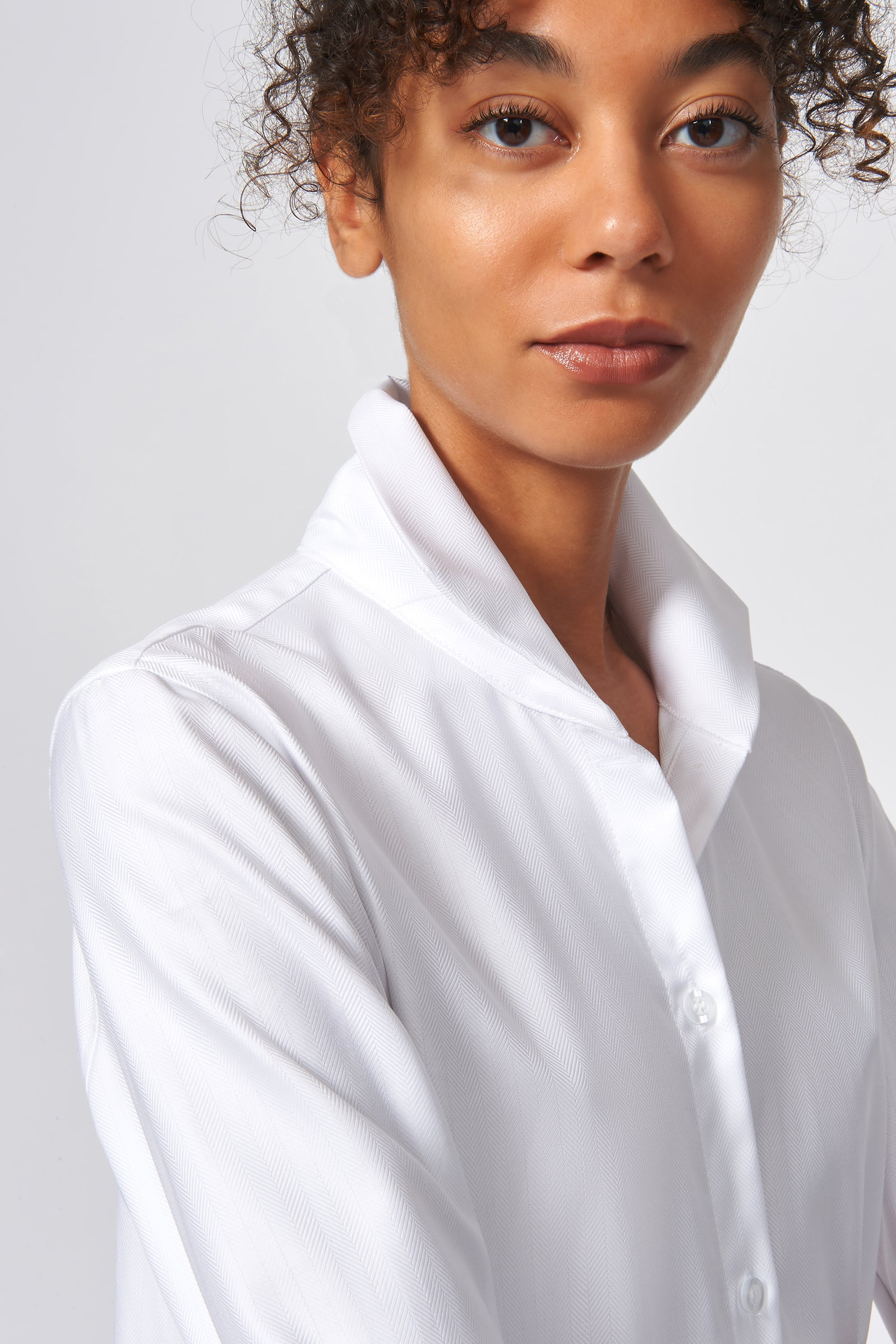 Kal Rieman Ginna Box Pleat Shirt in White Fine Herringbone on Model Detail View