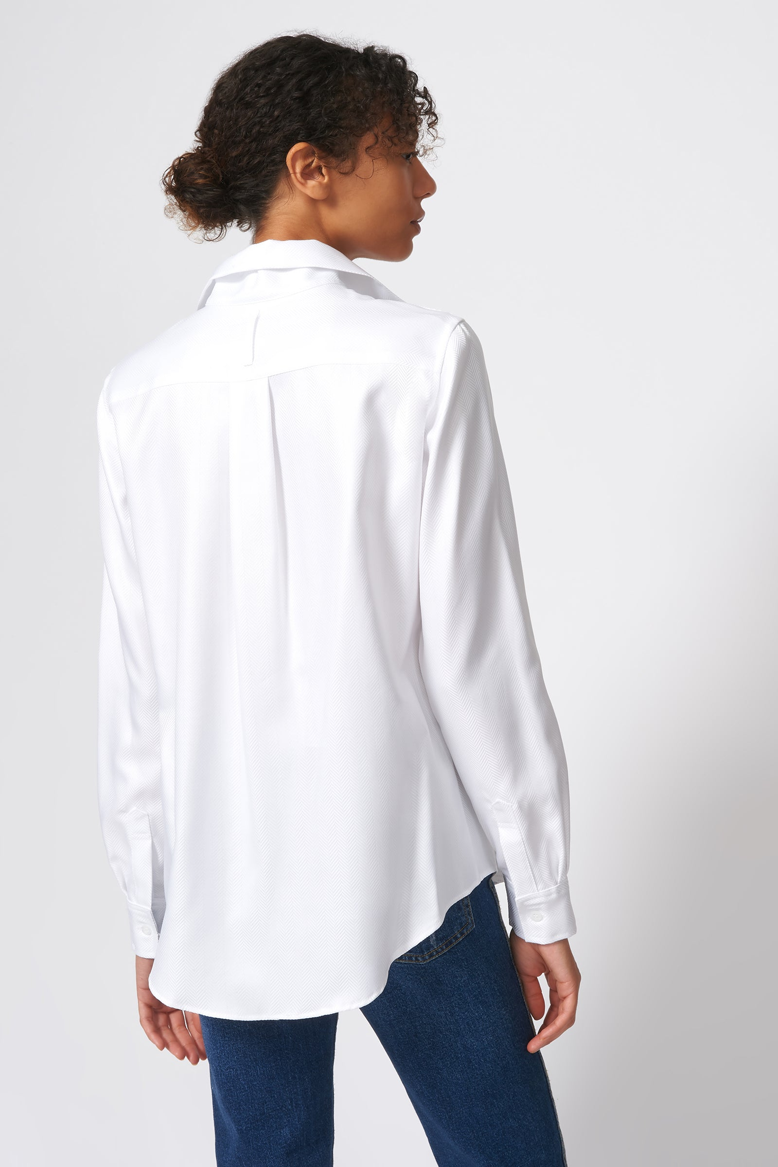 Kal Rieman Ginna Box Pleat Shirt in White Herringbone on Model Back View