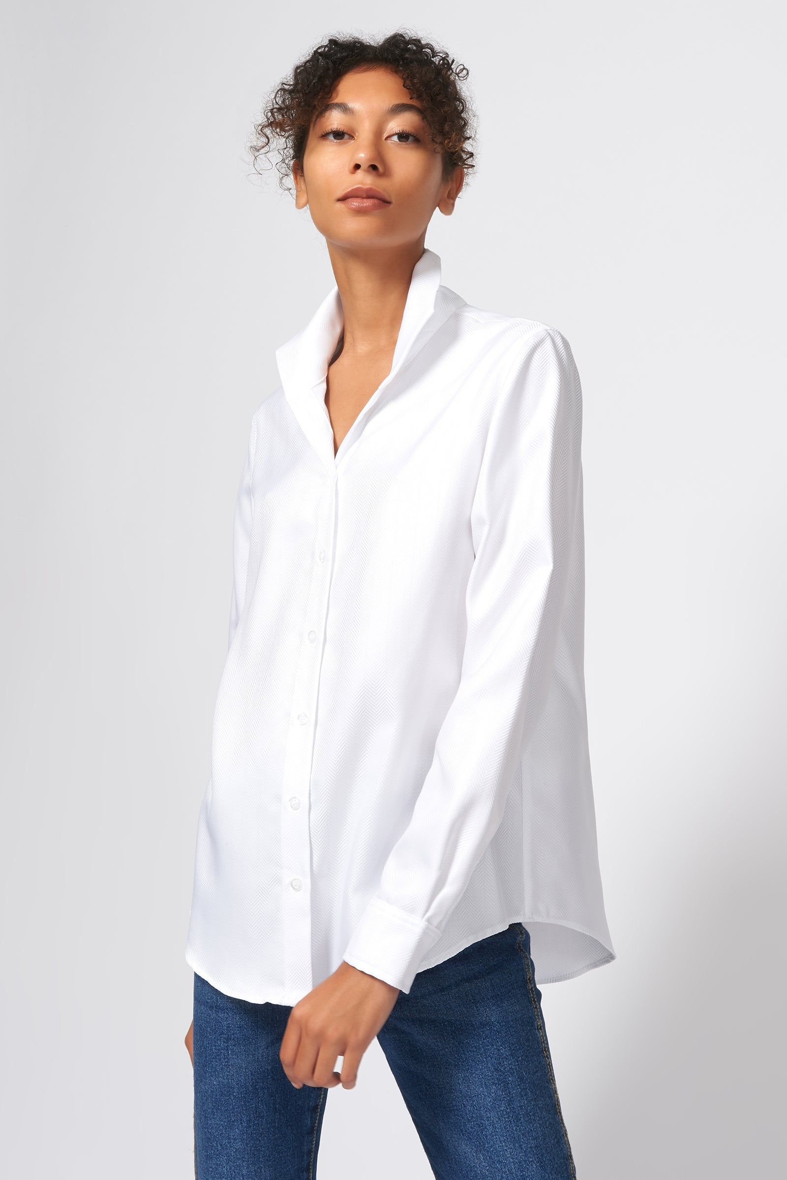 Kal Rieman Ginna Box Pleat Shirt in White Herringbone on Model Side View
