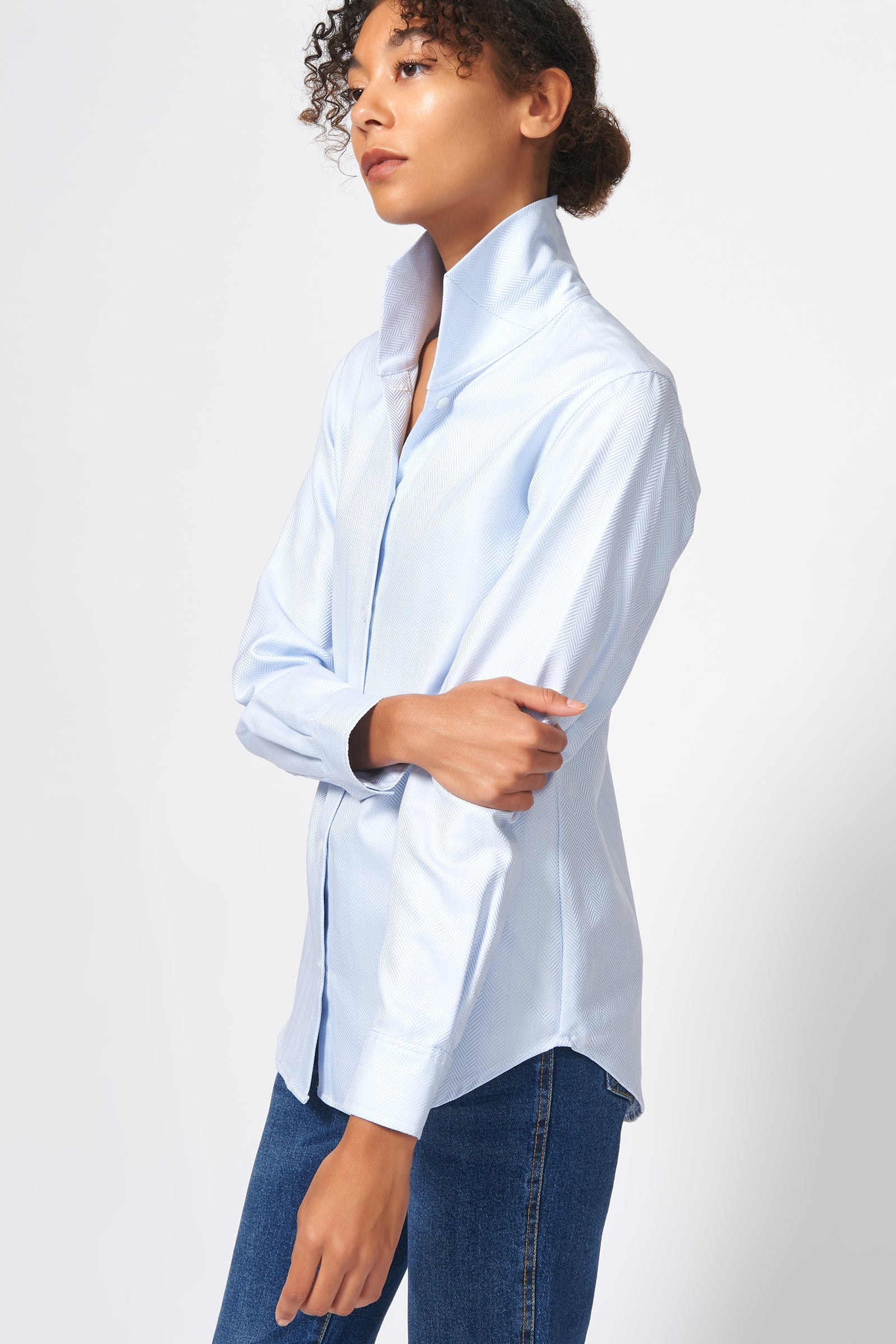 Kal Rieman Ginna Tailored Shirt in French Blue Herringbone on Model Side View