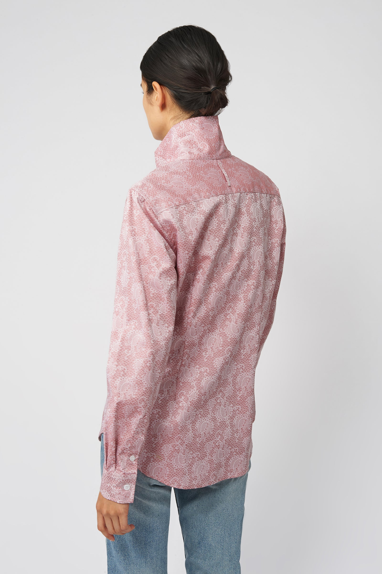 Kal Rieman Ginna Tailored Shirt in Rose Floral Jacquard on Model Front Detail