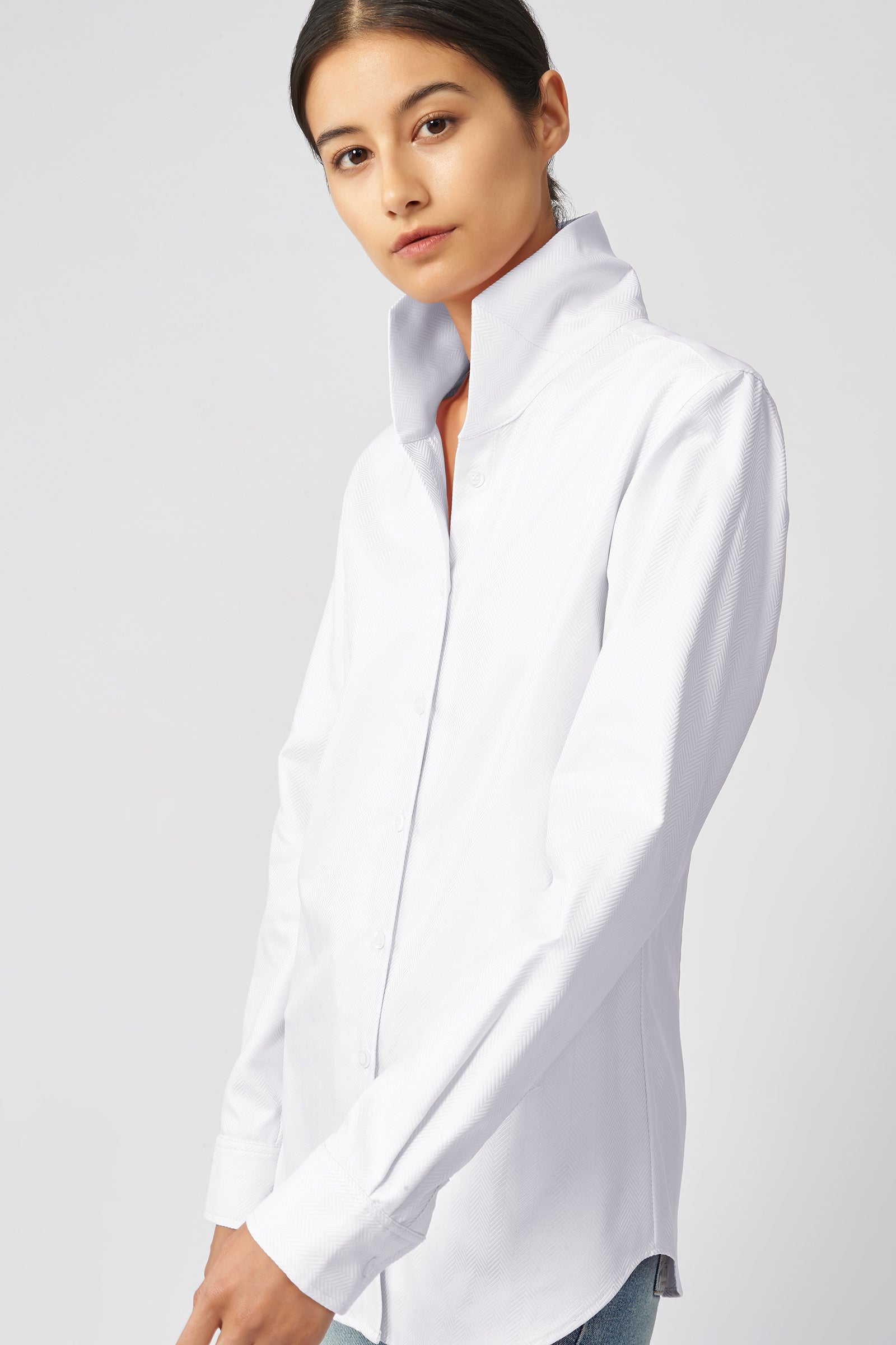 Kal Rieman Ginna Tailored Shirt in White Herringbone on Model Front Detail View