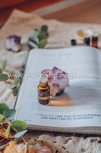 The Natural Essence Gifts of the Essential Oils Book Collection
