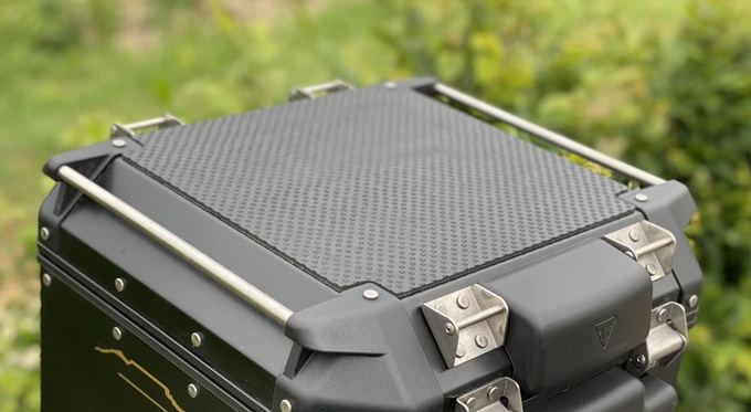 Givi Trekker-Outback 42L Top Box Rubber Protector