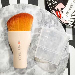 Honey Trap Multi Angle Foundation Brush