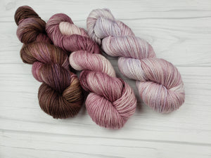 Plum Creek, Hand Dyed Fade Set in Worsted Weight - Spindle warps yarns