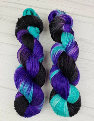 Ursula, Hand Dyed Yarn in Worsted Weight - Spindle warps yarns
