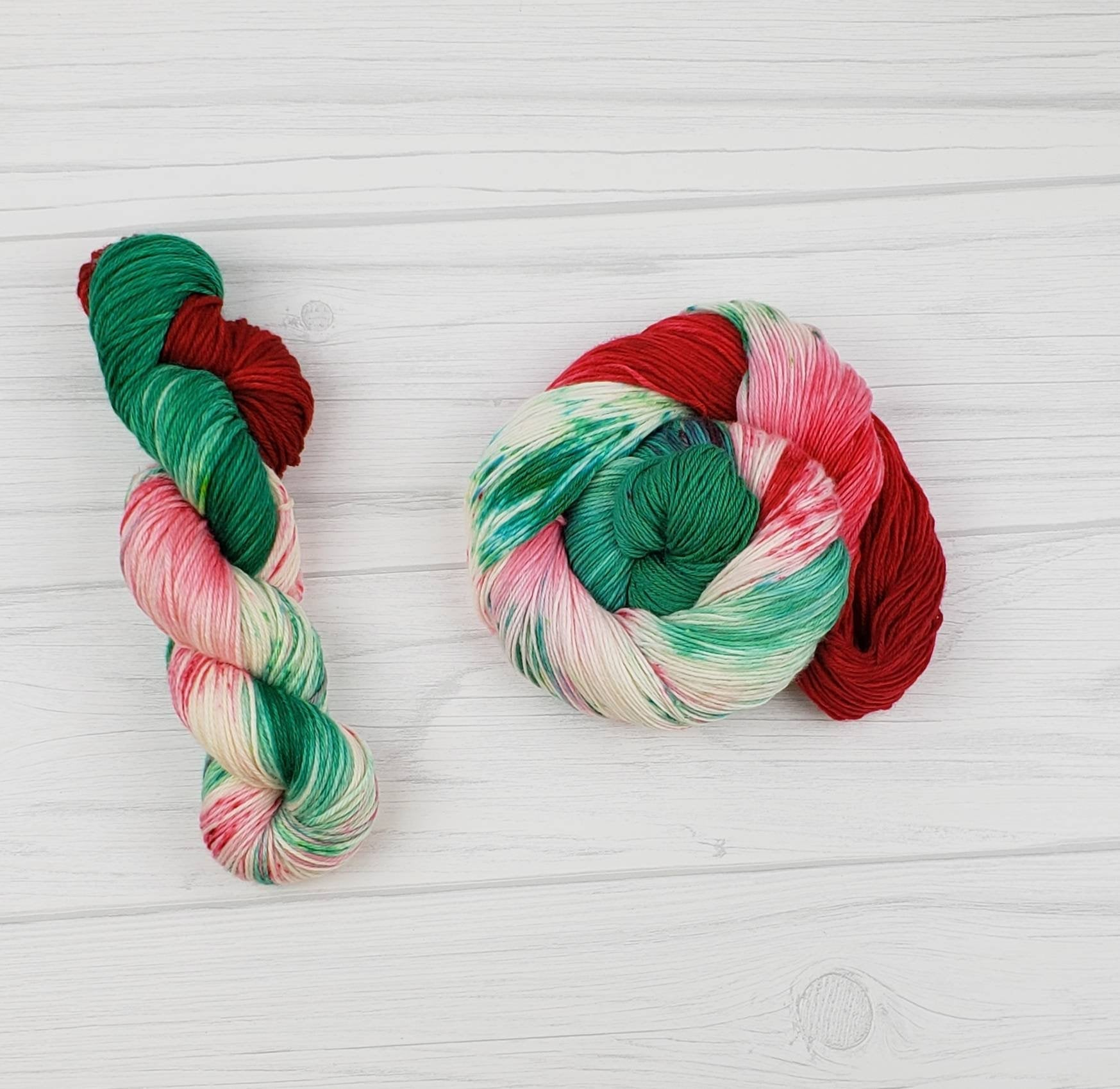 A Christmas Carol, Hand Dyed Yarn in Worsted Weight - Spindle warps yarns