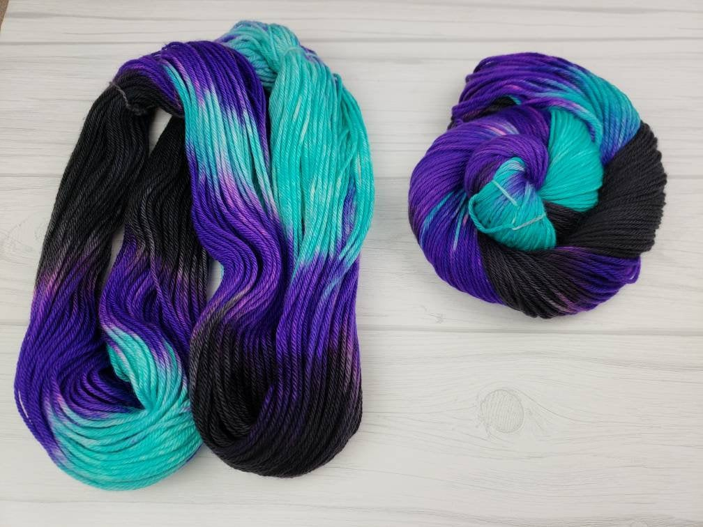 Ursula, Hand Dyed Yarn in DK Weight - Spindle warps yarns
