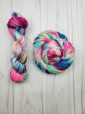Beach Blanket Barbie, Hand Dyed Yarn in DK Weight - Spindle warps yarns