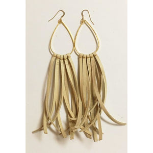 Deerhide Fringe Earrings in Beige/Leslie de la Mora