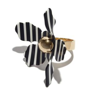 Golden Lilly Napkin Ring/LeLe Sadoughi