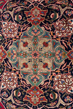 Load image into Gallery viewer, Antique Persian Qazvin 426x313cm
