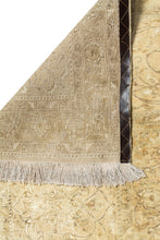 Load image into Gallery viewer, SANDIE Persian Distressed Nain 9La 771x475cm Extra Large Oversized Back
