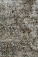 Load image into Gallery viewer, Persian Overdyed 523x316cm
