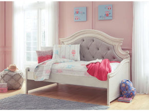Realyn - Chipped White - Twin Day Bed