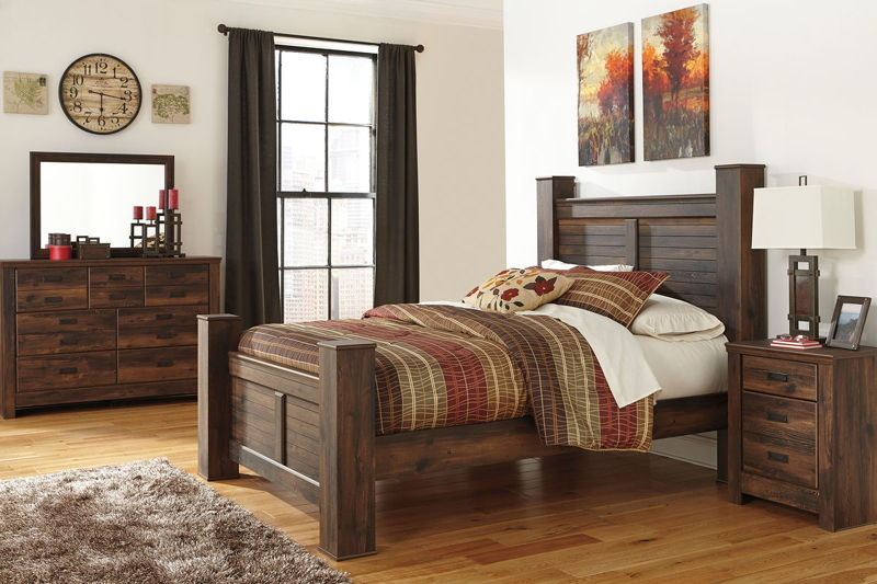 Quinden - Dark Brown - 7 Pc. - Dresser, Mirror, Queen Poster Bed & Nightstand