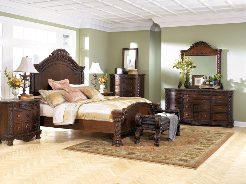 North Shore - Dark Brown - 7 Pc. - Dresser, Mirror, Queen Panel Bed & 2 Nightstands