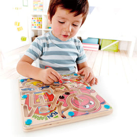 Hape | Magnetic Maze - Fun Farm