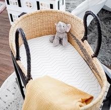 Load image into Gallery viewer, Baby Moses Basket #01