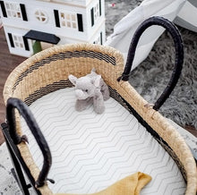 Load image into Gallery viewer, Baby Moses Basket #08