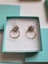 Load image into Gallery viewer, Daisy Earrings