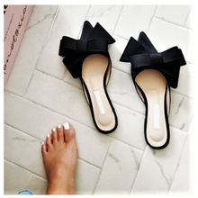 Load image into Gallery viewer, Silk  Satin Pointed Toe Bow  Slippers. Black