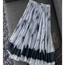 Load image into Gallery viewer, Tie-Dye  Pleated Long Skirt