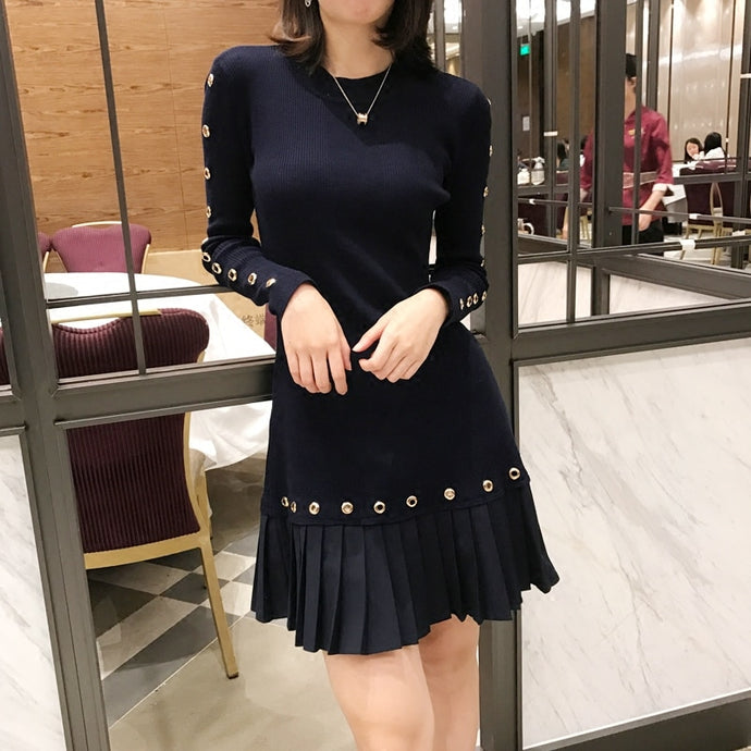 High-end luxury pleated Knitted Cotton Long-sleeved Dress..