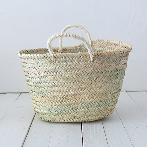 Traditional Palm Basket for Gourmet Packs