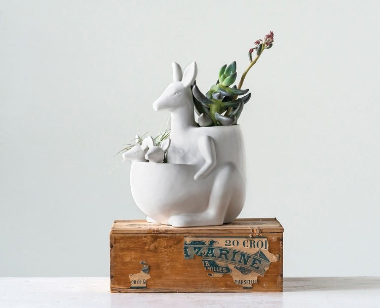 Ceramic Kangaroo w/ Joeys Planter - Baycreek & Co