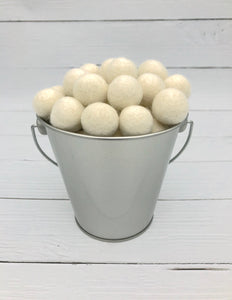 Antique White - 2cm Felt Balls
