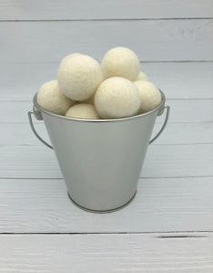 Antique White - 3cm Felt Balls