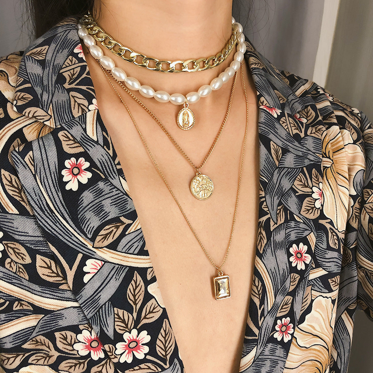 Vintage coin gem multi-layer pearl necklace