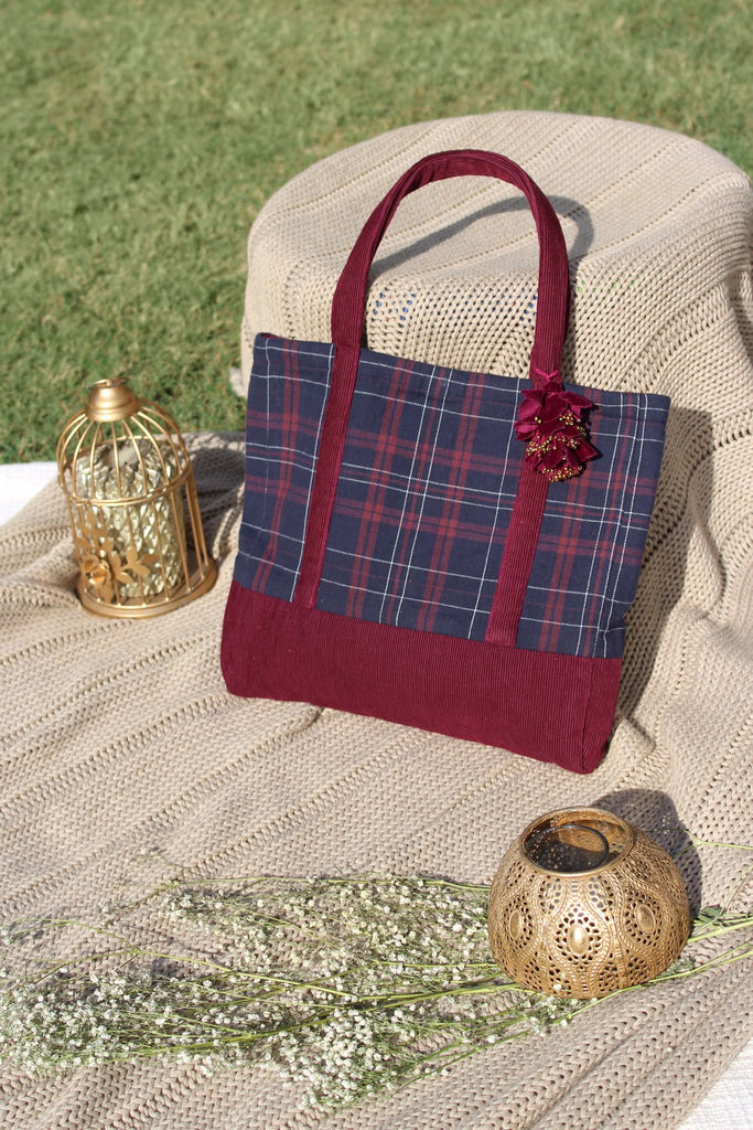 Vera Cabas Bag - Wine Checks