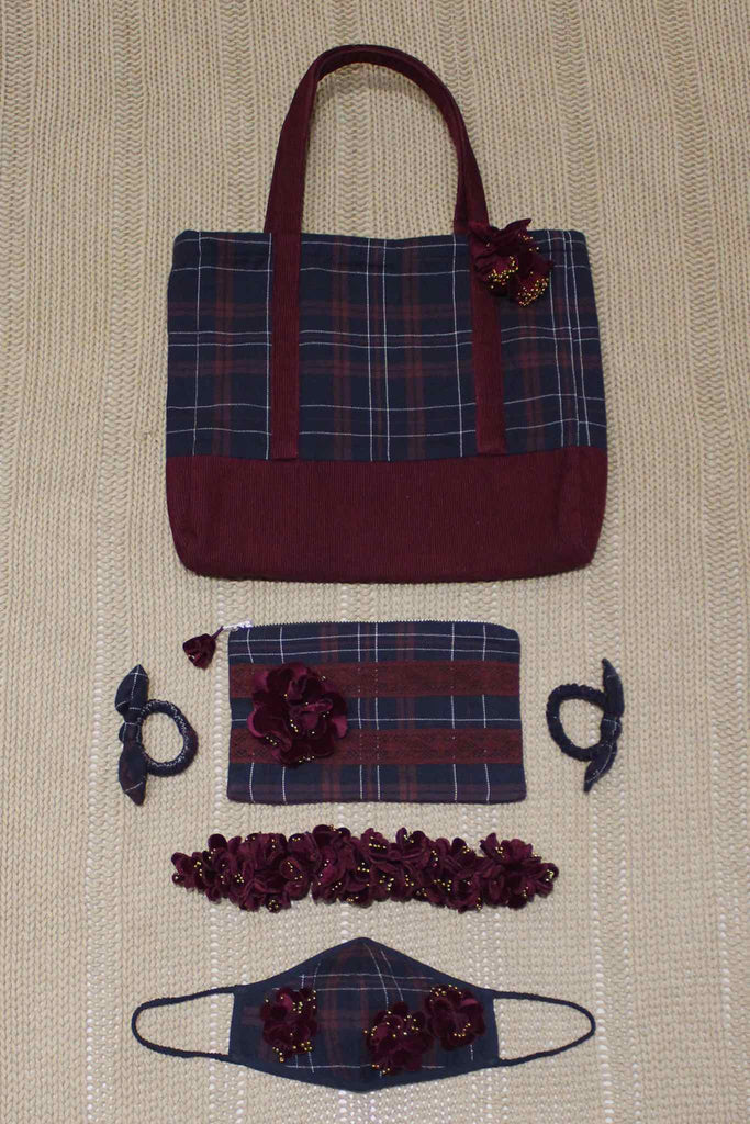 Set of Cabas Bag/Pouch/Mask/Hair Accessories - Wine Checks