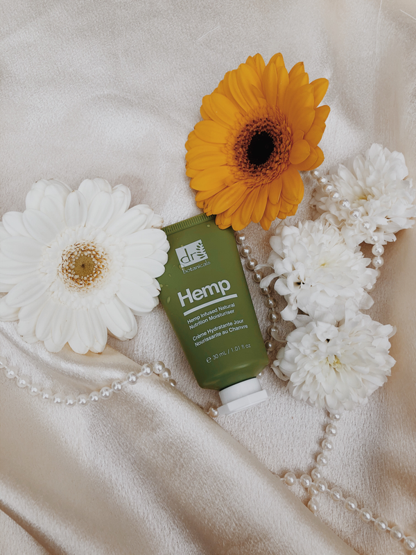 ZOE MARCH: HEMP MOISTURISER REVIEW